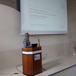"Prof. Dr. Roland Schröder at ""Global Connections & International Careers Services"" conference"